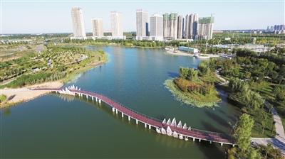 航拍的许昌市芙蓉湖水系 记者 牛书培 摄