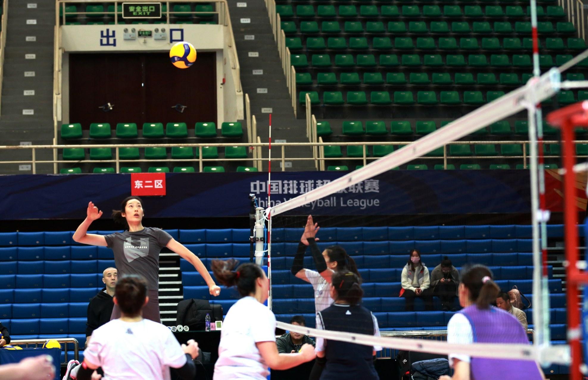 排球明星朱婷来许昌了,11月19日19时比赛打响