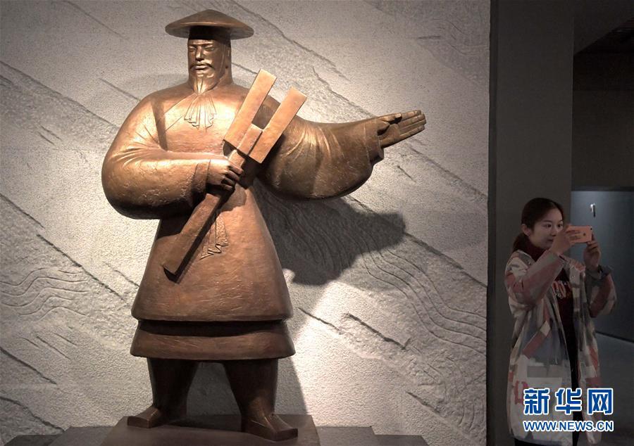 (文化·黄河文化带·图文互动)(3)在夏都二里头,感受中华早期文明精粹